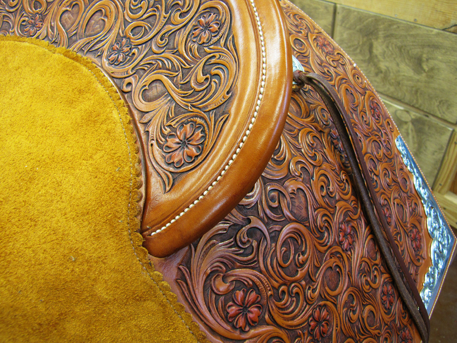 A rolled cantle binding sewn at eight stitches per inch on this year's TCAA saddle.